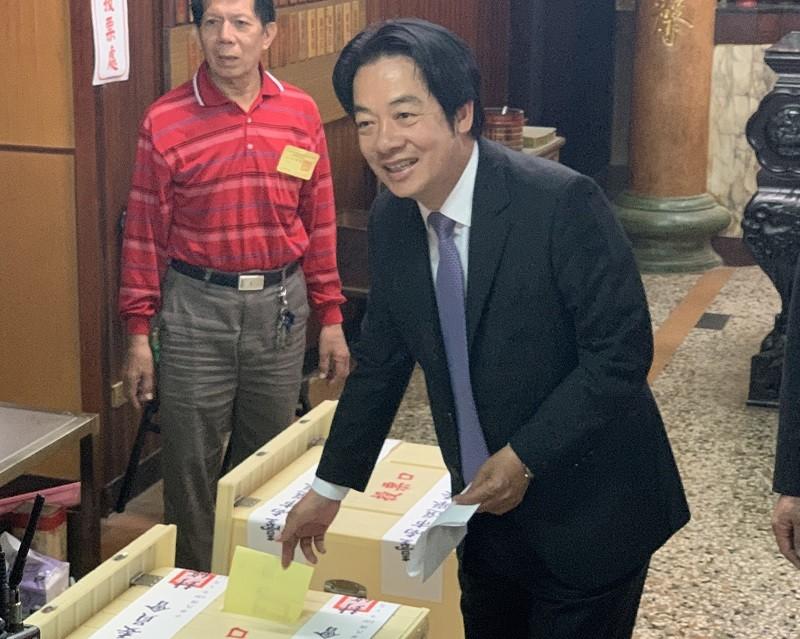 賴清德今天在台南投票 (中央社)