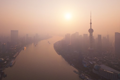 Polluted Shanghai skyline. (gettyimages)
