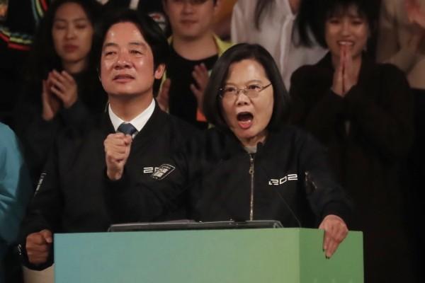 Vice President William Lai (left), President Tsai Ing-wen (right).