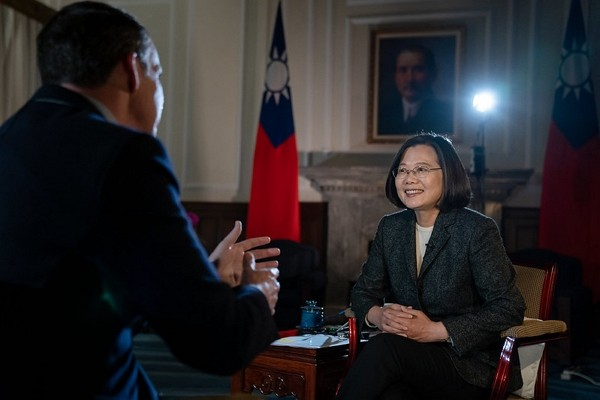 President Tsai Ing-wen affirms Taiwan's independence on BBC. (Presidential Office photo)