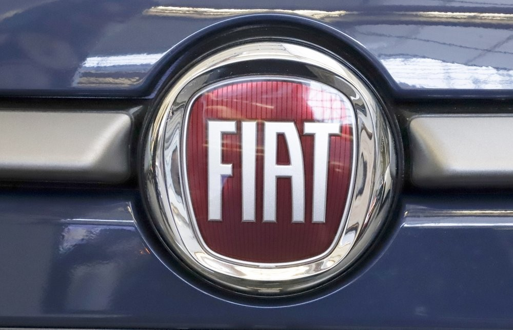 IPhone Manufacturer Wades Into Electric Cars With Fiat Venture