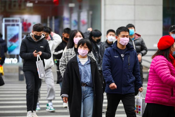 戴口罩勤洗手,不去公共場合一起預防武漢病毒(中新社提供/中央社)