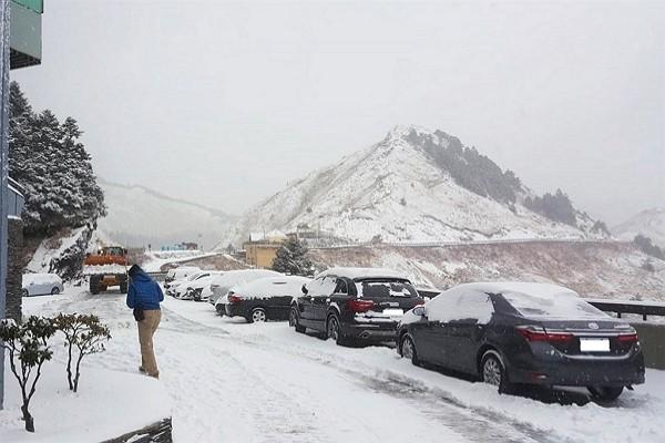 Snow on Hehuanshan. (CNA photo)