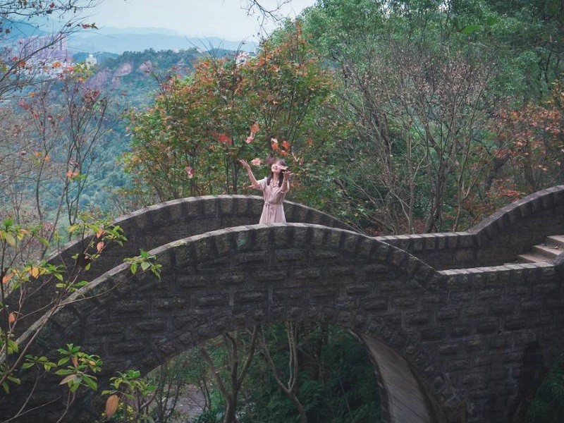 The double-arched bridge (New Taipei City Tourism and Travel Department photo)