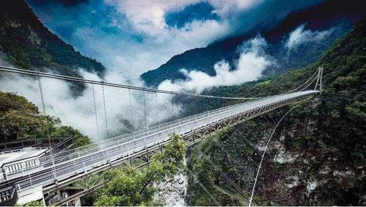 The Mountain-Moon Bridge at Taroko Gorge. (Ministry of the Interior photo)
