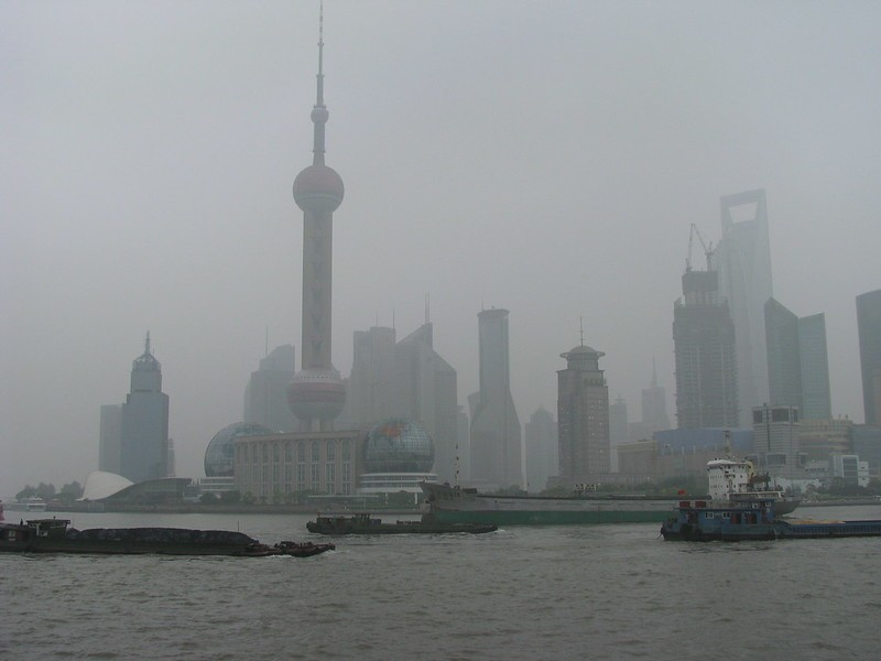 Polluted Shanghai skyline. (Peter Dowley flickr photo)