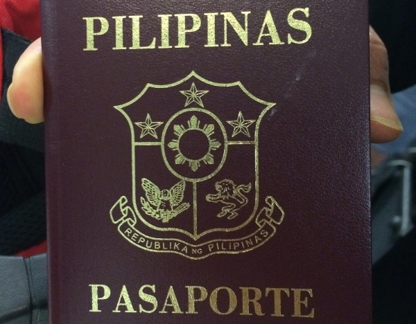Philippine passport. (Flickr user Wellingtonstravel)