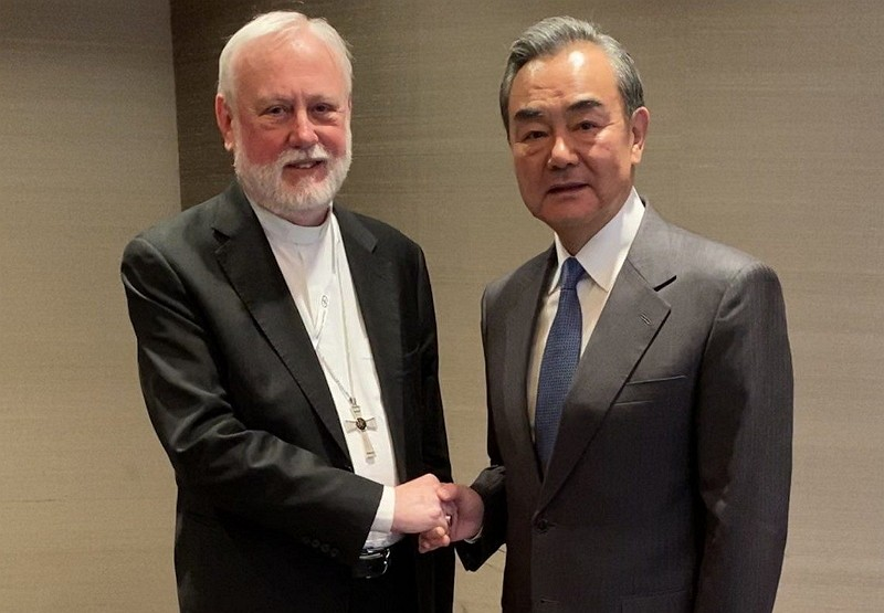 Vatican's Paul Gallagher greets China's foreign affairs minister Wang Yi. (Vatican website photo)
