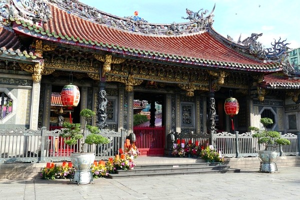 Lungshan Temple to ban incense starting Mar. 13. (Pixabay photo)