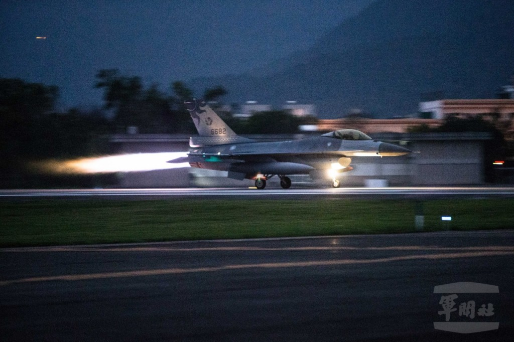 F16 fighter jet takes off from military base in Hualien. (Military News Agency photo)