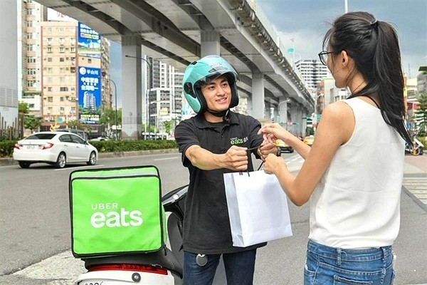 Uber Eats Taiwan to provide free meals to frontline medical staff. (Uber Eats Taiwan photo)