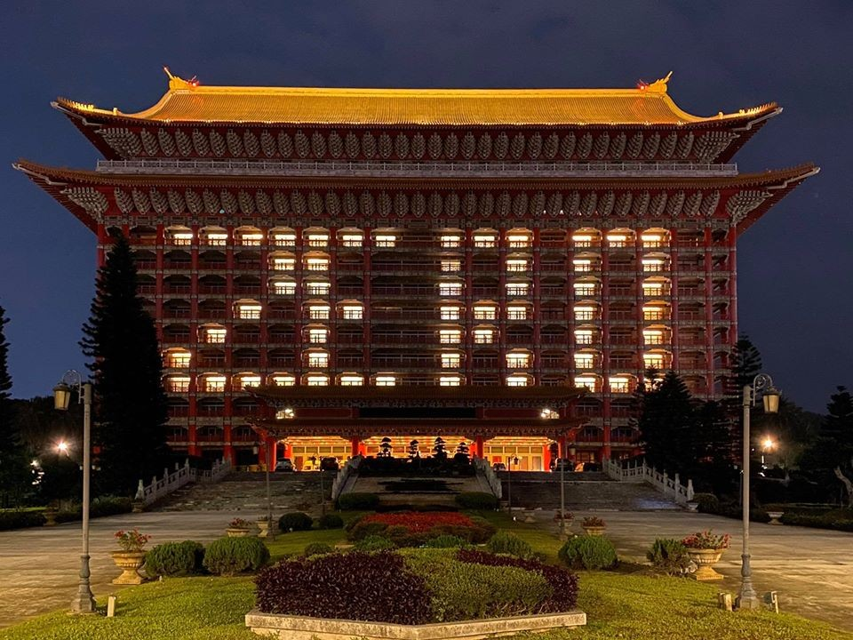 "Hotel rooms lit up to spell ""zero."" (Grand Hotel Taipei photo)"