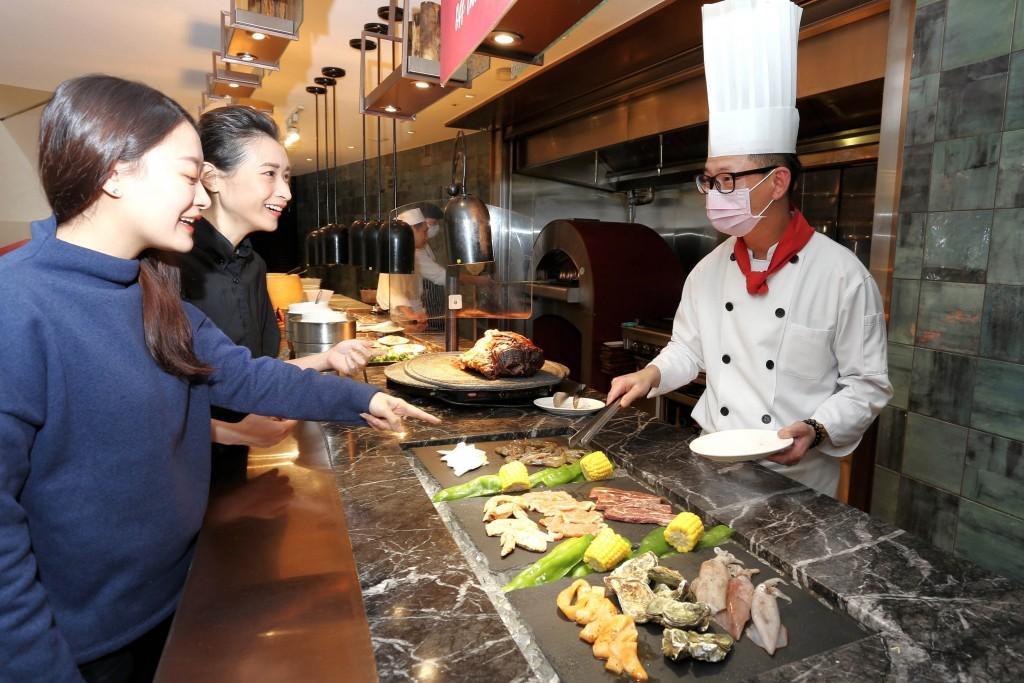 台北王朝大酒店 SUNNY BUFFET 4人同行1人免費 玉蘭軒精選外帶套餐與桌菜