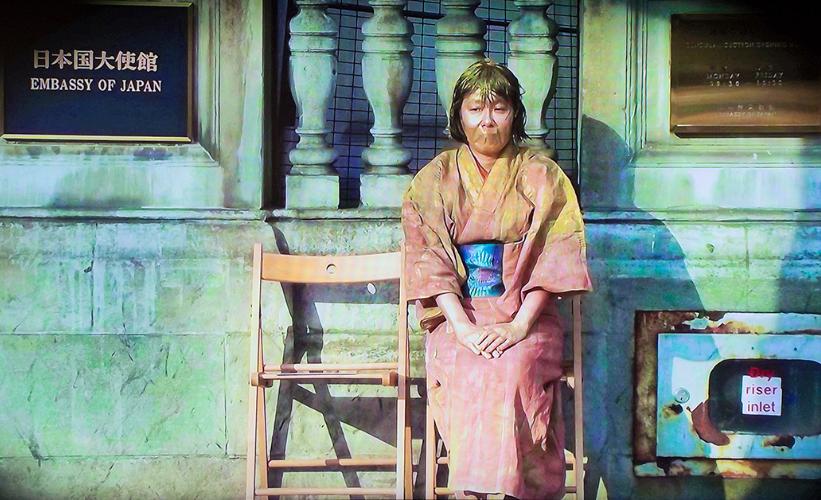 《試著成為日本慰安婦之雕像》日本人慰安婦像(圖/台北當代)