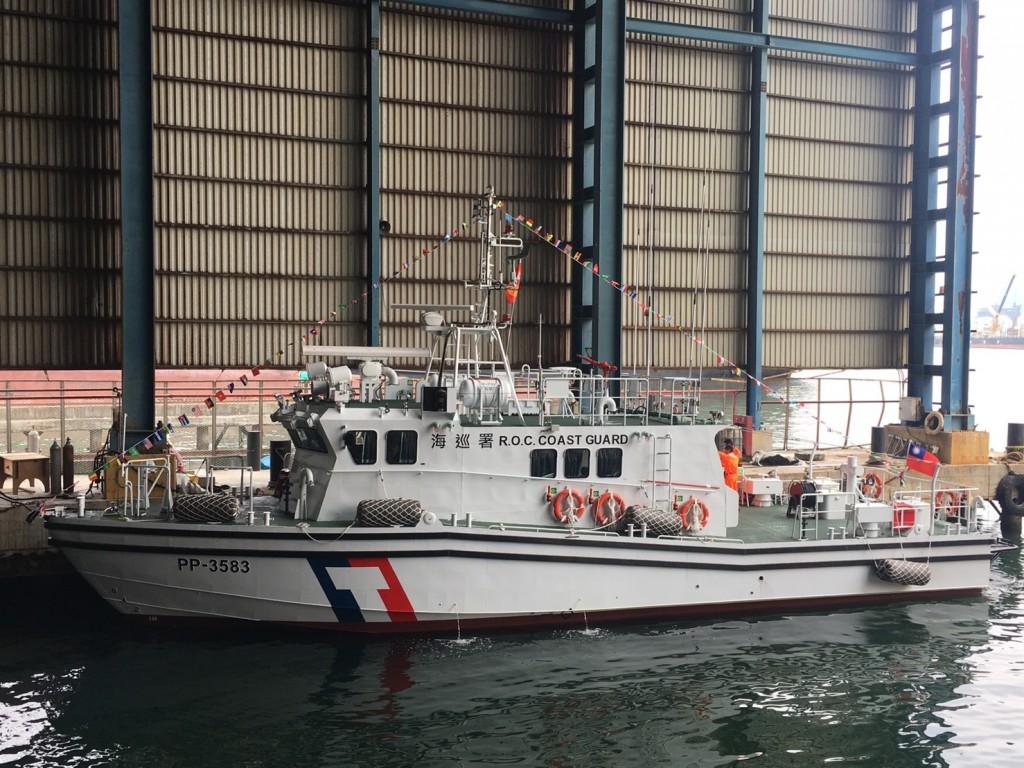 海巡國艦國造 首艘600噸級「安平艦」下水 預計10月交船