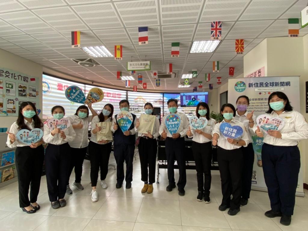 (說明:新住民全球新聞網「Taiwan我來了」胖卡造訪移民署臺中市第一服務站)
