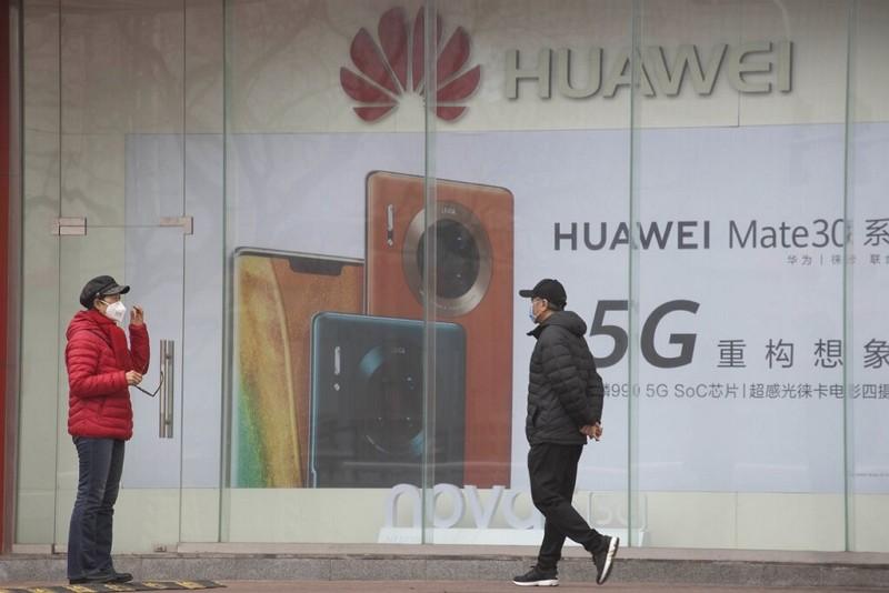Huawei advertisement in Beijing