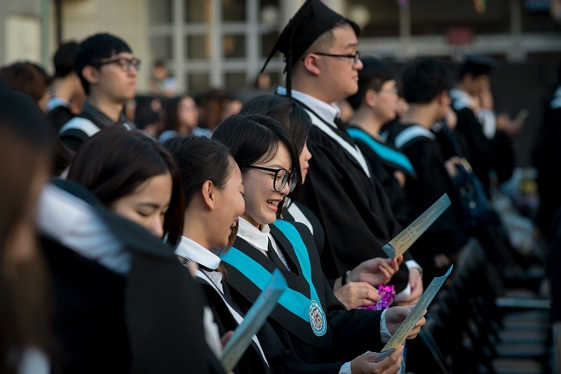 Graduation ceremonies in Taiwan allowed to take place without crowd limits