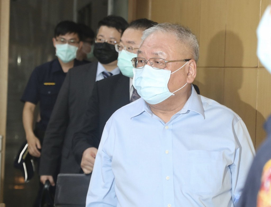 Cashbox Partyworld Chairman Lien Tai-sheng at Taipei District Prosecutors Office Friday (May 22).