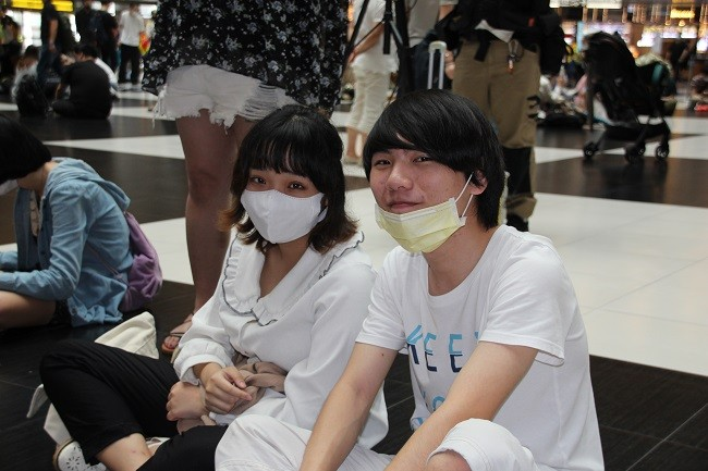 Taiwanese students taking part in sit-in. (Taiwan News, Micah McCartney photo)