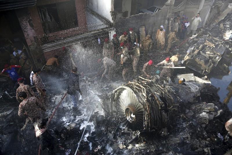 【最新】巴基斯坦航空失事97死2人奇蹟生還 黑盒子已尋獲