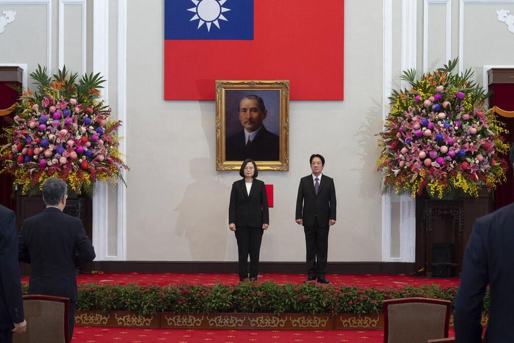台灣蔡英文總統與副總統賴清德20日於總統府內進行就職。(美聯社圖片)