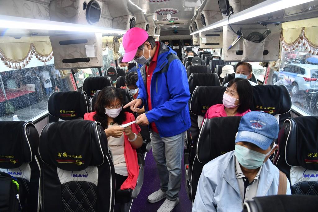 Bus passengers wearing masks