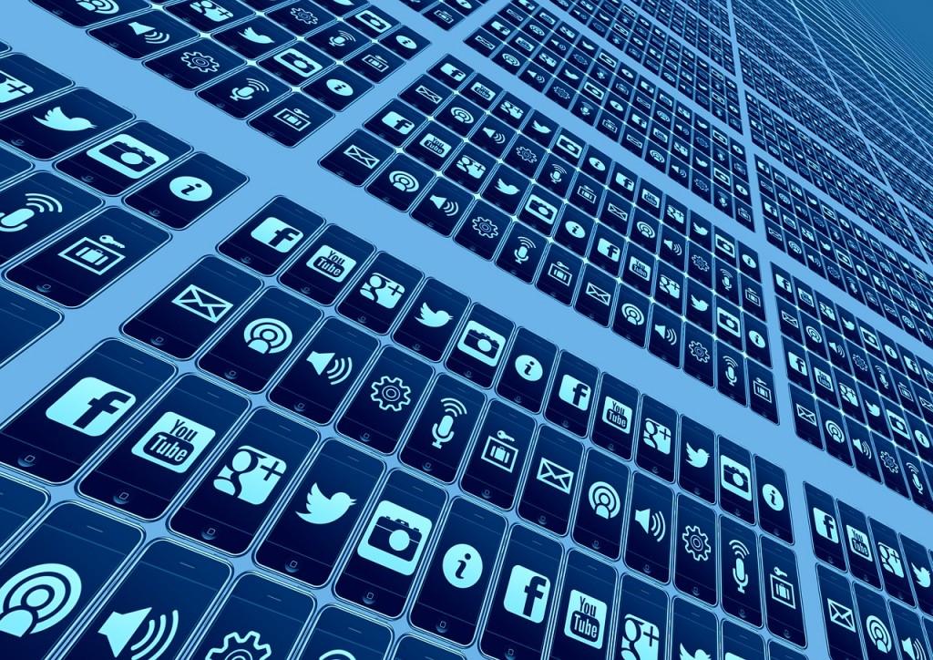 Social media apps (Pixabay)