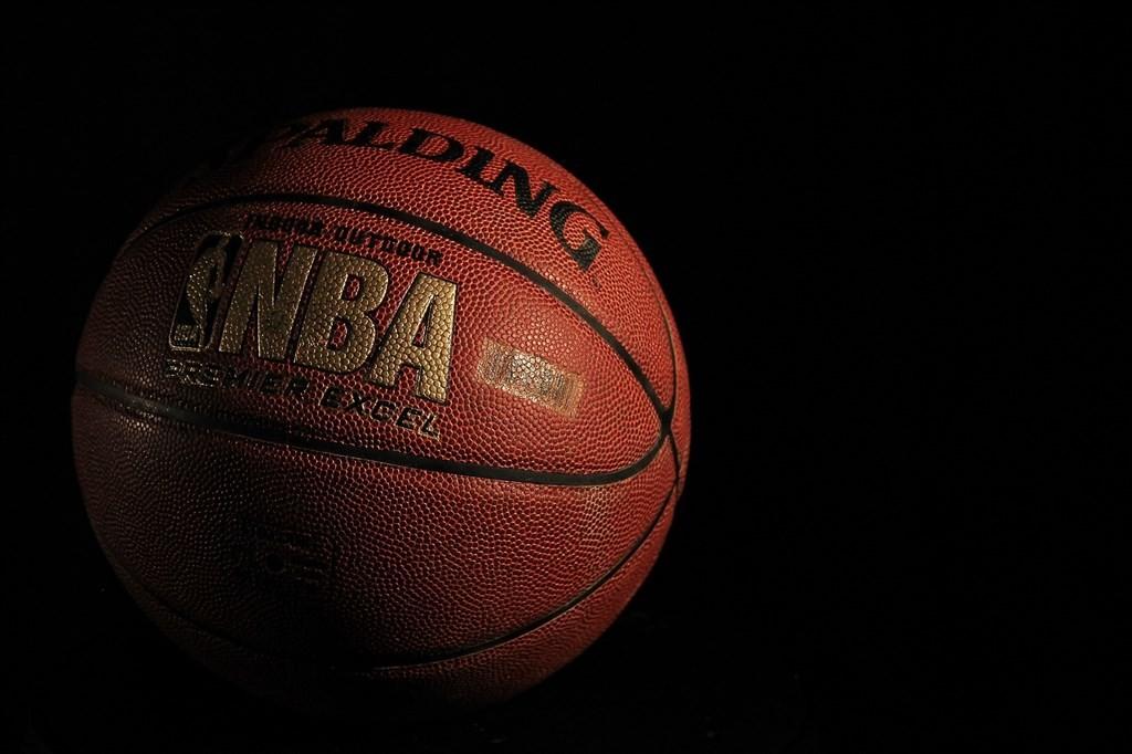 NBA理事會4日批准22支球隊恢復2019-2020年球季賽事的計畫,7月31日起22支球隊將在佛羅里達州奧蘭多迪士尼世界的ESPN體育大...