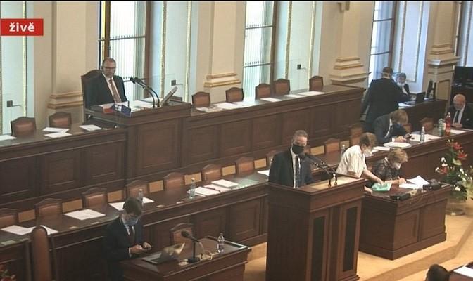 June 4 session of Chamber of Deputies. (Blesk.cz screenshot)