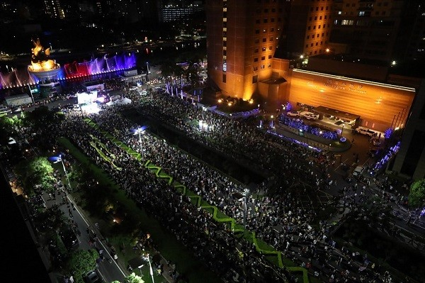 Thousands of people take to streets in Kaohsiung to recall mayor