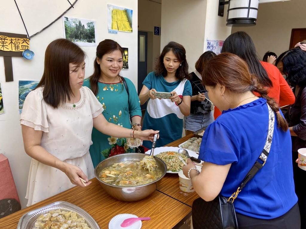 新住民朋友齊聚一堂享用端午節美食及異國料理