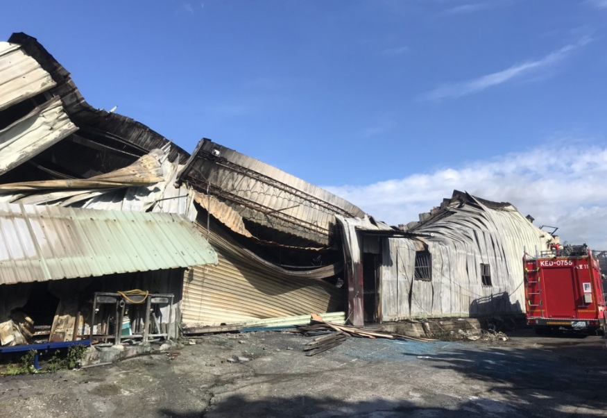 The factory of Taiwan'sGreenray Theatre Company got burned down (Greenray Theatre Company photo)