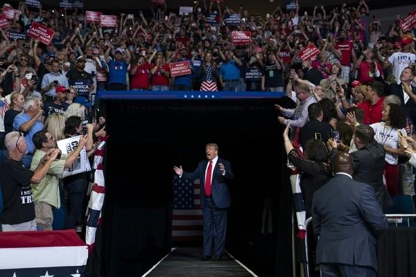 美國總統川普在20日舉行大型造勢活動(照片來源:美聯社提供)