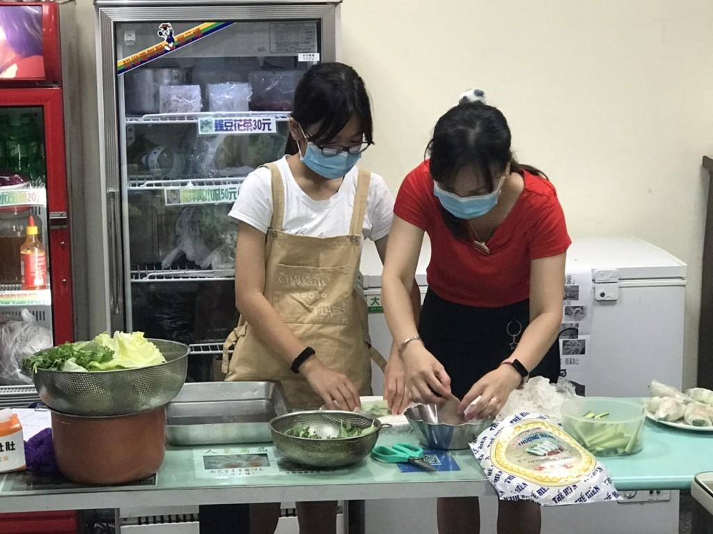說明:花蓮移民署「端午文化交流–越南文化親子體驗營」(移民署花蓮縣服務站提供)