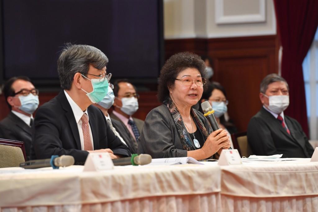 前副總統陳建仁(前左)與監察院長被提名人陳菊(照片來源:中央社提供)