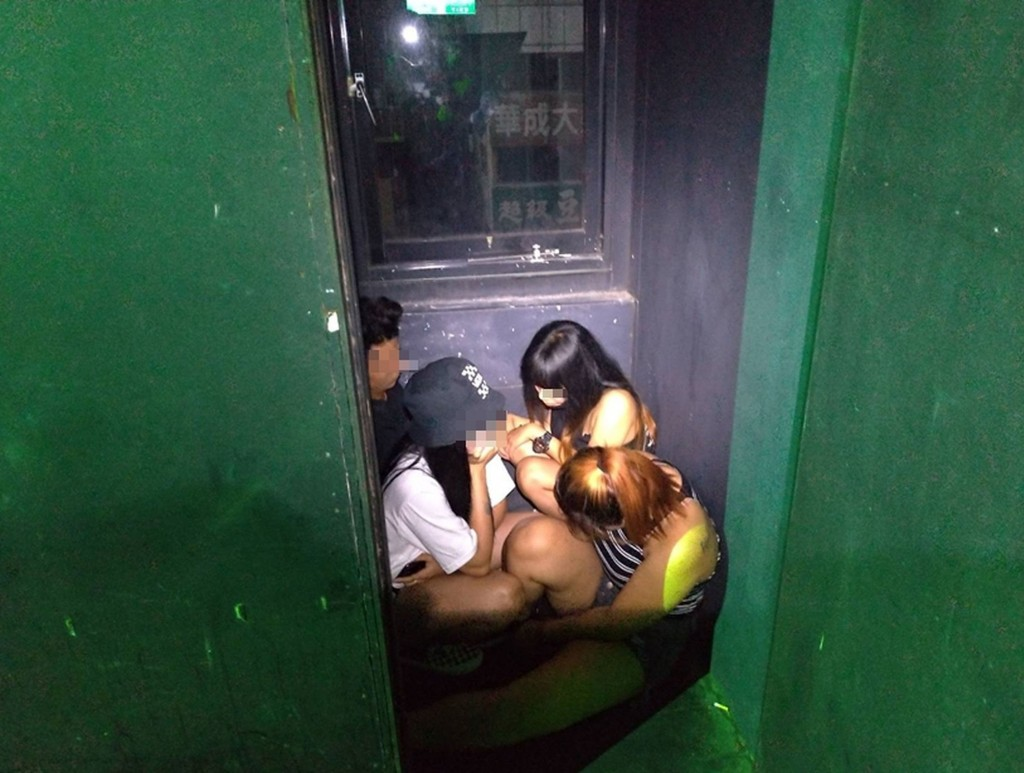 Police nab 12 undocumented workers in W. Taiwan's ASEAN Plaza