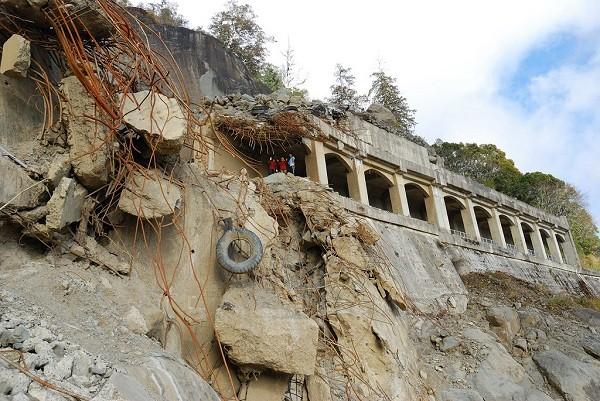 Secret trail on S.W. Taiwan's Alishan open to permit holders
