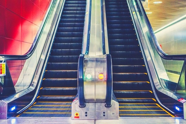 Majority of escalator accidents involve soft-soled shoes and sandals. (Pixabay photo)