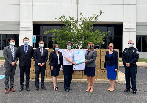 Taiwan donates 300,000 surgical masks to U.S. Department of Veterans Affairs in July. (TECRO photo)