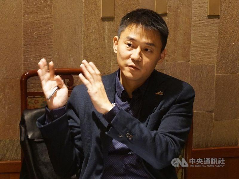 台中市政府副秘書長朱康震(圖)被週刊爆料劈腿3女。(中央社檔案照片)