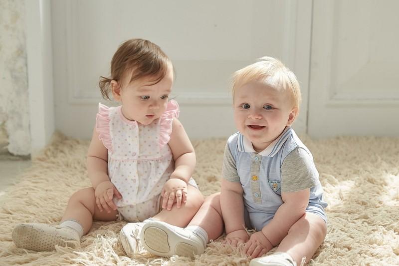 振興券在嬰童用品界也能狂 奇哥、mothercare商品3折起
