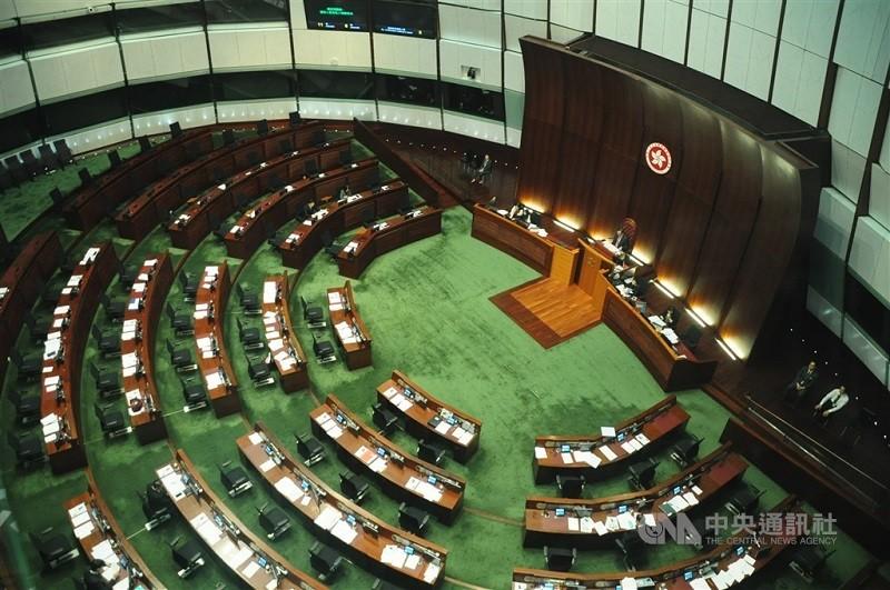 圖為香港立法會會議廳。(中央社檔案照片)