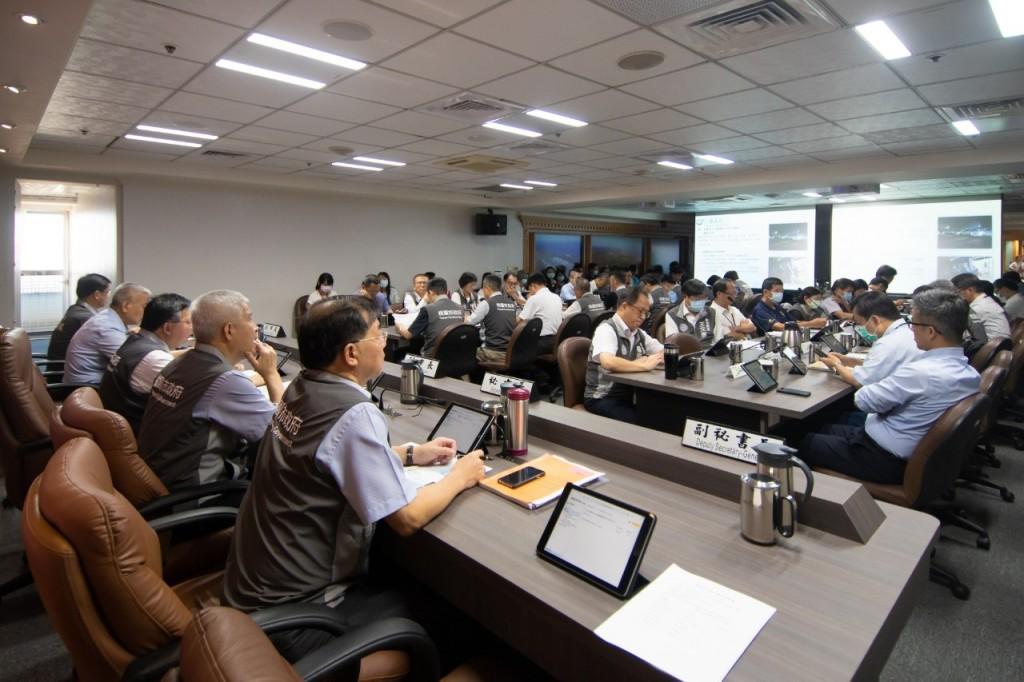 桃市府召開防疫專案會議,並表示會持續加強向外籍移工宣導防疫相關資訊。(照片來源:桃園市政府)