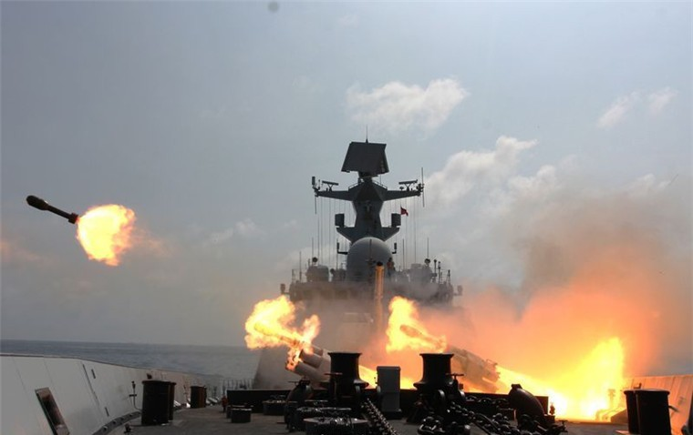 Chinese warship conducting live-fire drill in South China Sea. (Weibo, PLA Daily photo)