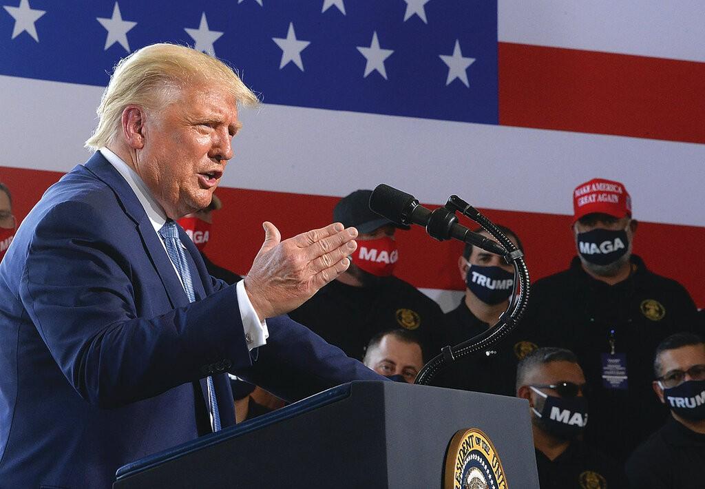 美國總統川普18日造訪阿利桑那州(照片來源:美聯社提供)