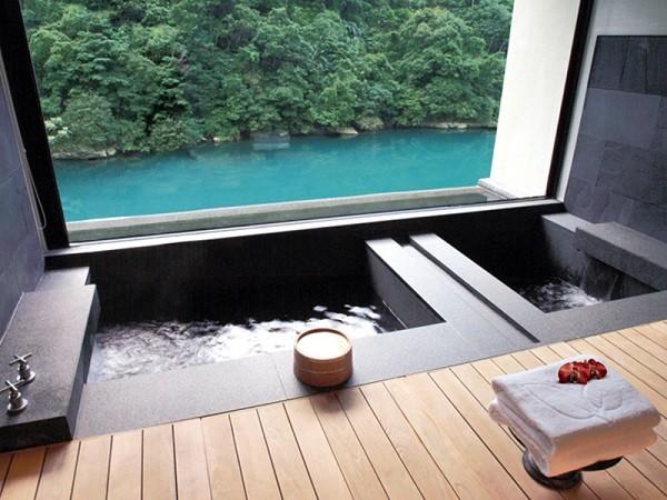 Deluxe bathhouse (Urai Hot Spring and Resort photo)