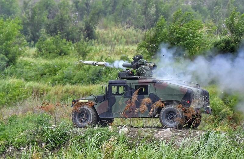圖為台灣漢光演習,悍馬車搭載拖式飛彈發射。(中央社檔案照片)