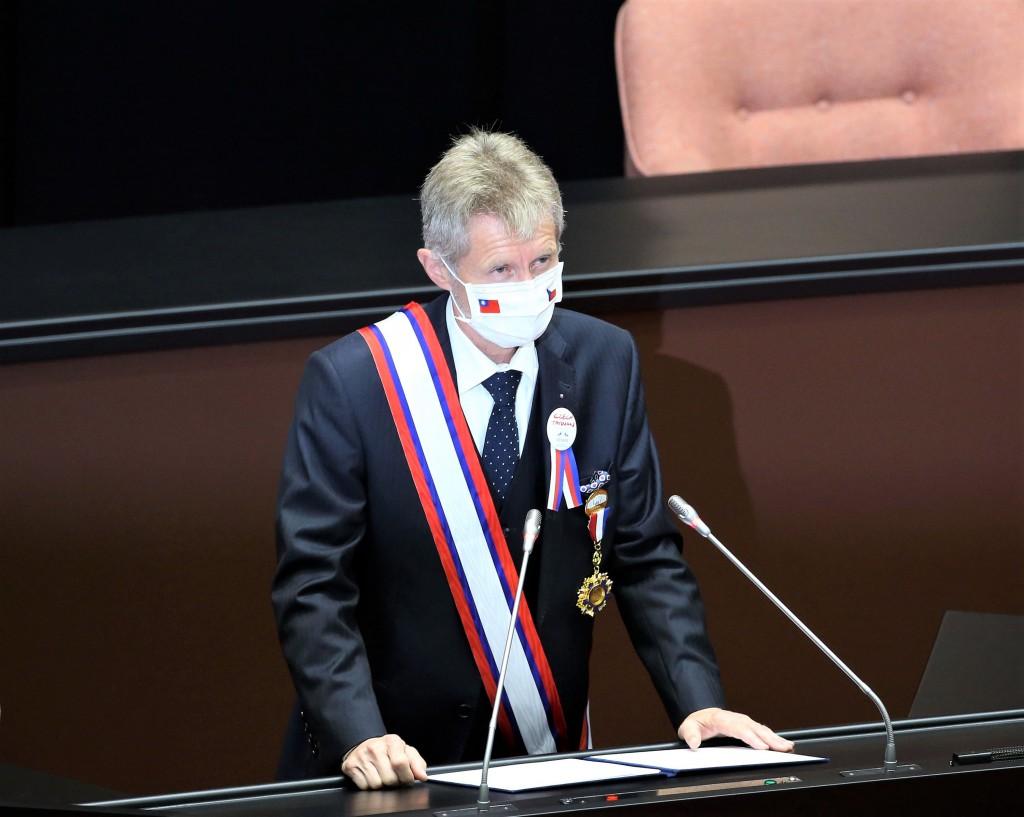 捷克參議院議長維特齊(Miloš Vystrčil)2020年9月受邀到台灣立法院發表演說,他在演說中上高喊「我是台灣人」,...