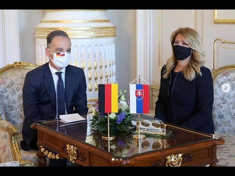 斯洛伐克女總統查普托娃, 8月21日在IG發文, 並PO出她與德國外長馬斯(左) 會談的照片。德國現為歐盟輪值主席國(圖/zu...